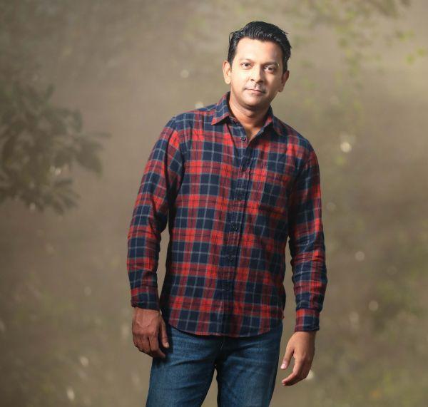 Flannel Check Shirt (L)