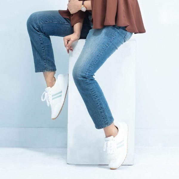 W Slim Fit Jeans